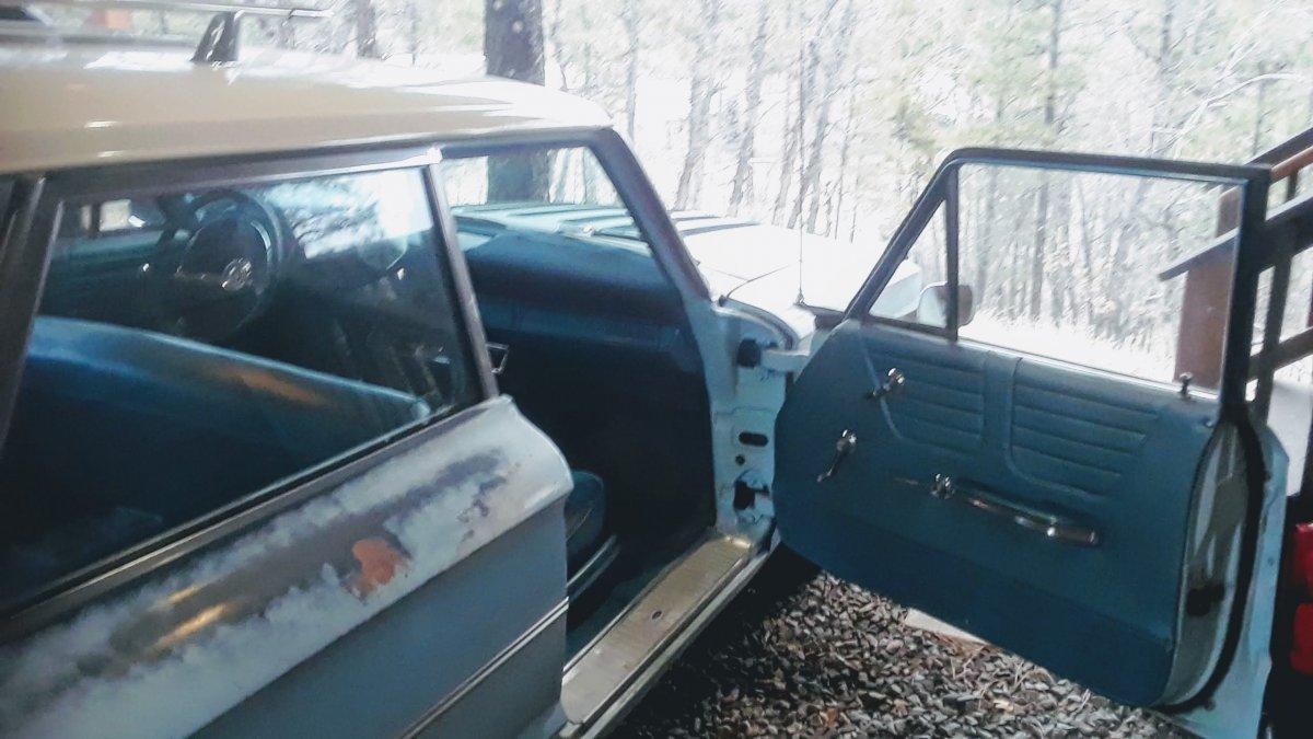 1964 Ford Wagon passenger inter.jpg