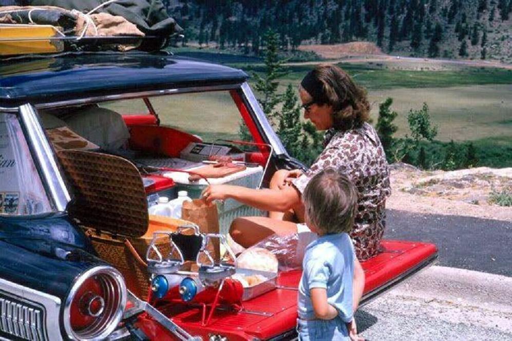 1964 roadside tailgate picnic.jpg