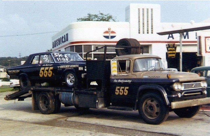 1965-Belvedere-With-Hauler.jpg