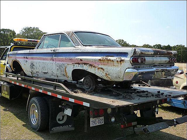 1965-Mercury-Comet-drag-car-barn-find.jpg