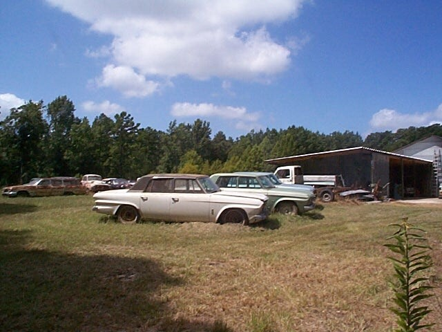 1966_Studebaker_4dr-Cruiser_White+Black-Roof_sVr.jpg