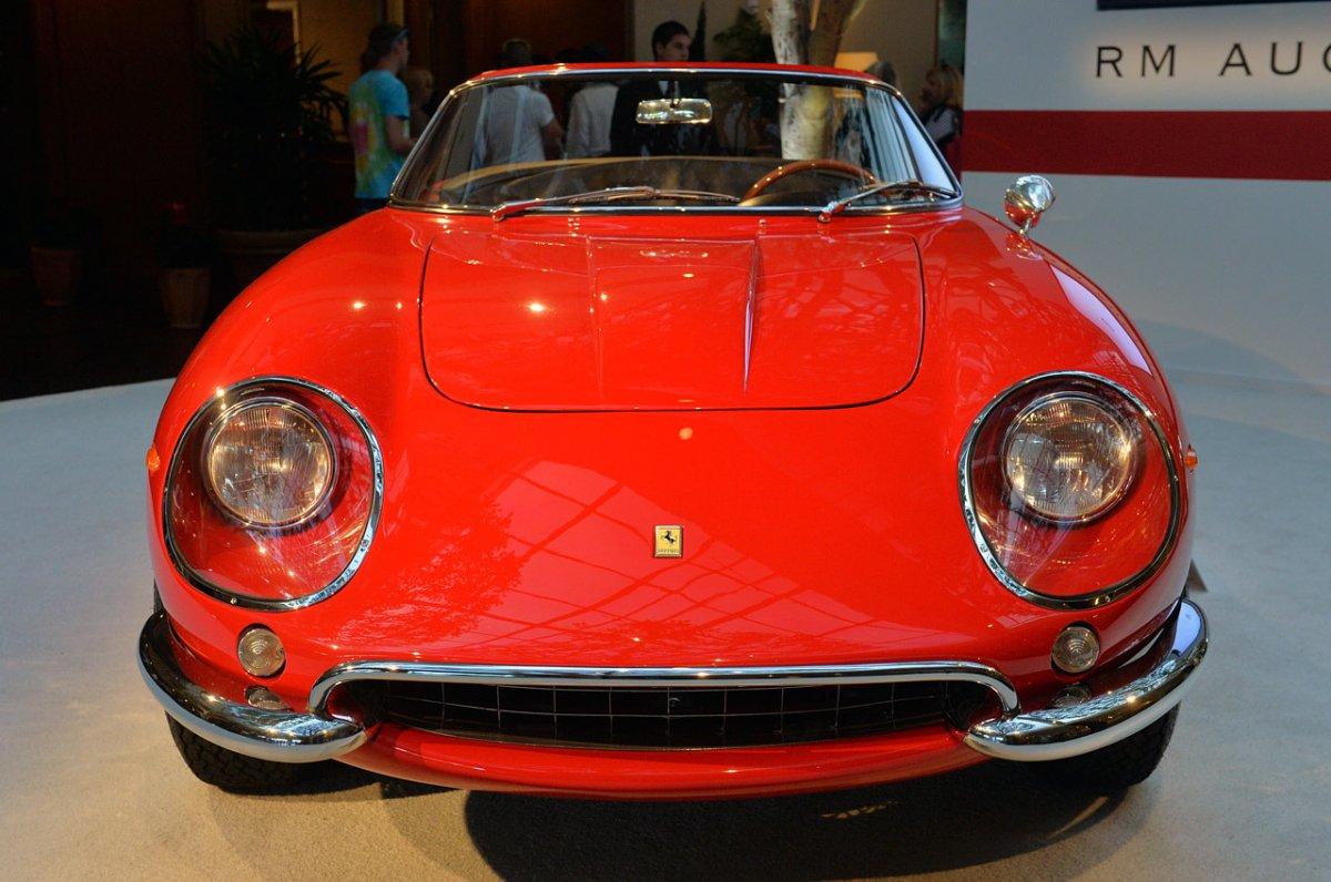 1967 Ferrari 275 GTB4 NART Spider Monterey 2013 Photos  (18).jpg