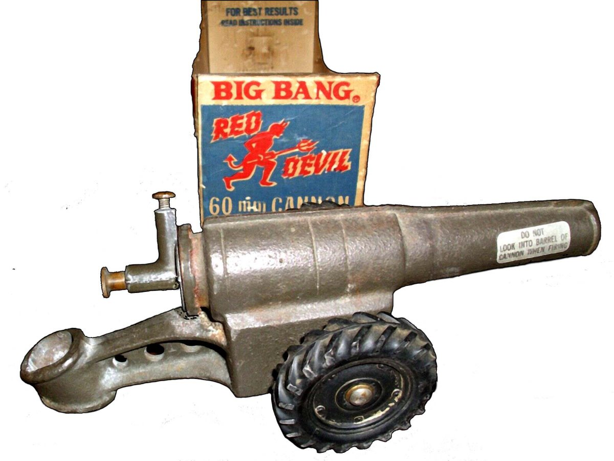 1968-Red Devil Big Bang Cannon with box-may 30th.jpg
