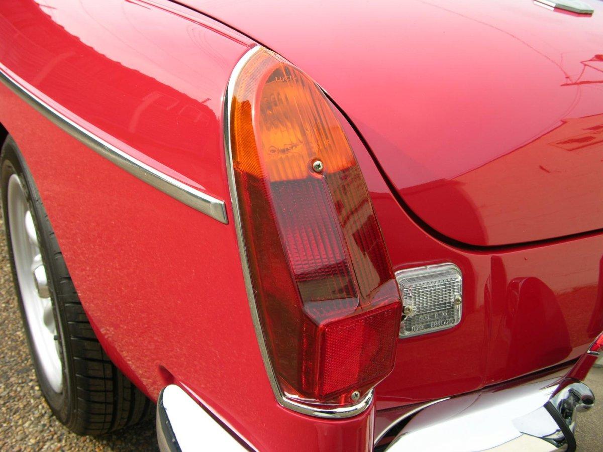 1973_MG_MGB_-_Flickr_-_The_Car_Spy_(26).jpg