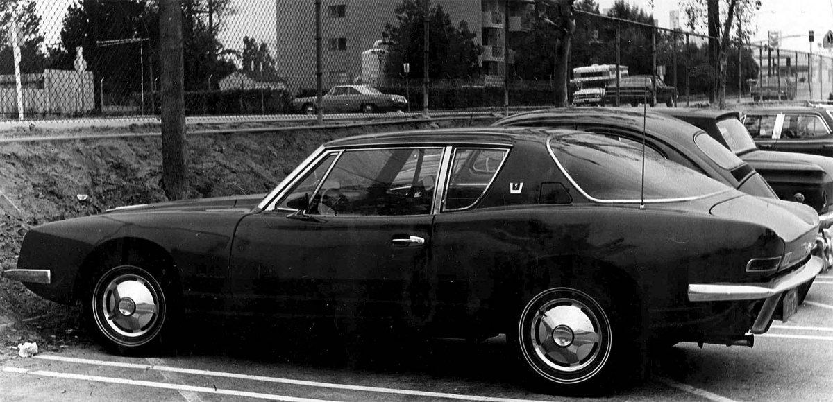 1974-Studebaker Avanti.jpg