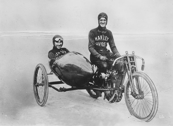 1a Leslie Red Parkhurst with fellow Harley-Davidson racer Fred Ludlow in the sidecar..jpg