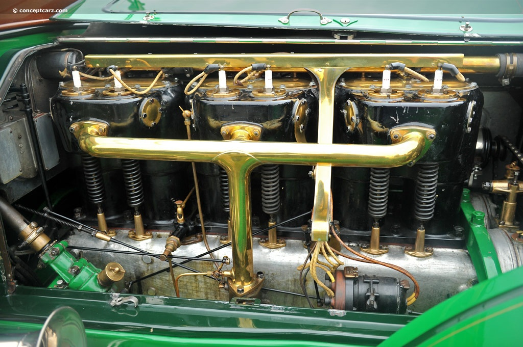 1engine 1918 Fageol Touring Car a.jpg