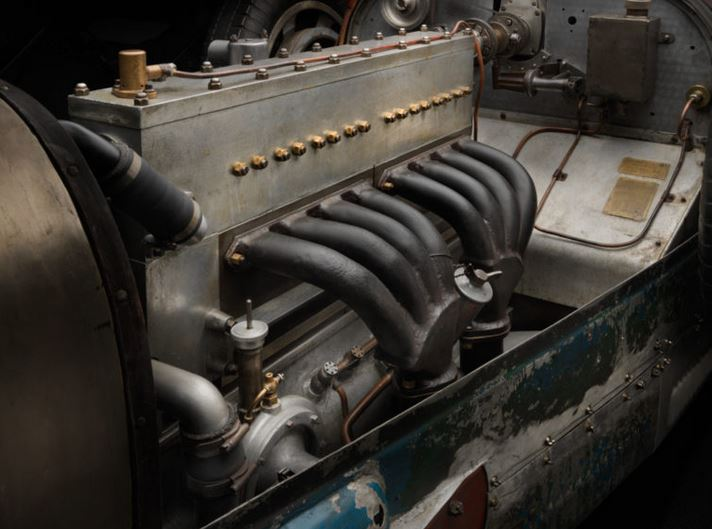 1engine 1930 bugatti type 35 1.JPG