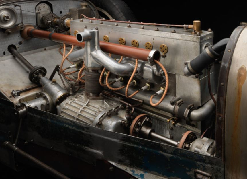 1engine 1930 bugatti type 35 2.JPG