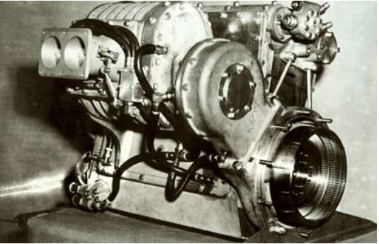 1engine9b Offenhauser 159cu in fitted with a Roots ty.JPG