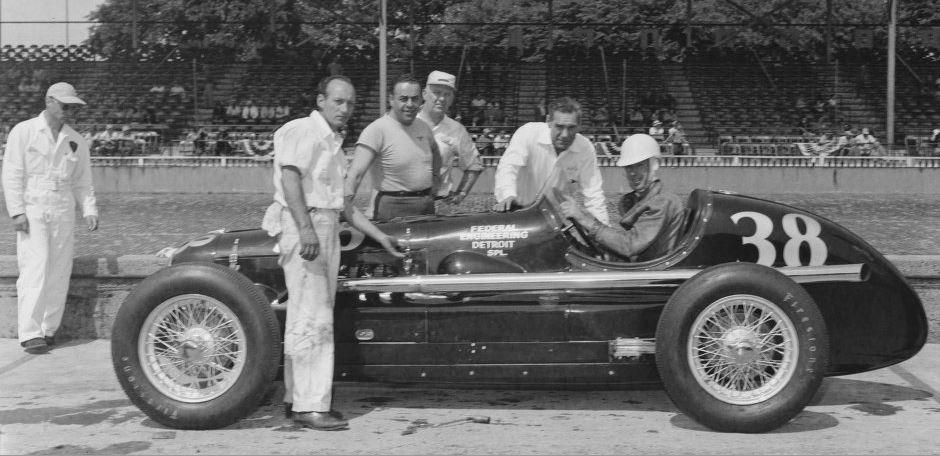 1x-3-b-banks 1948.JPG