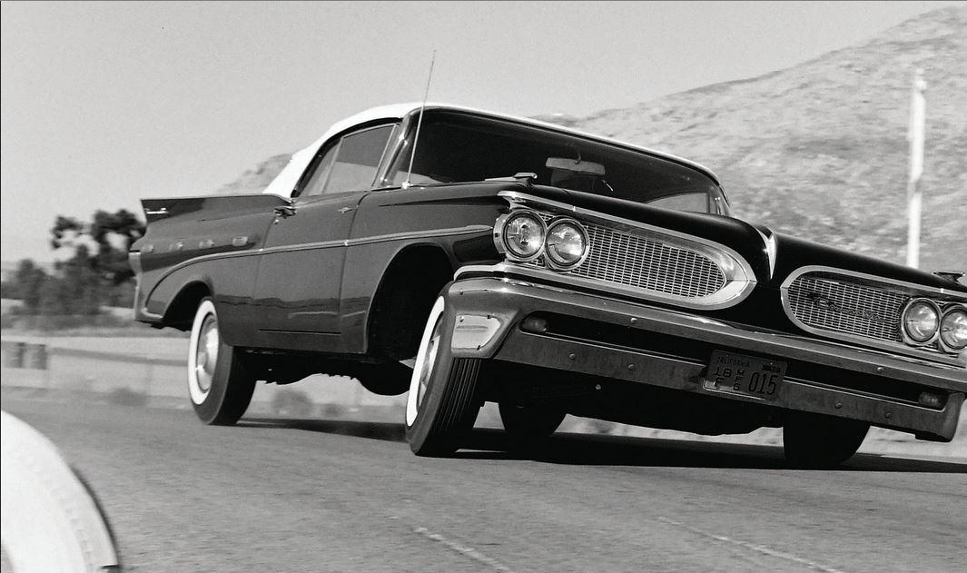 2 1959-pontiac-bonneville.jpg