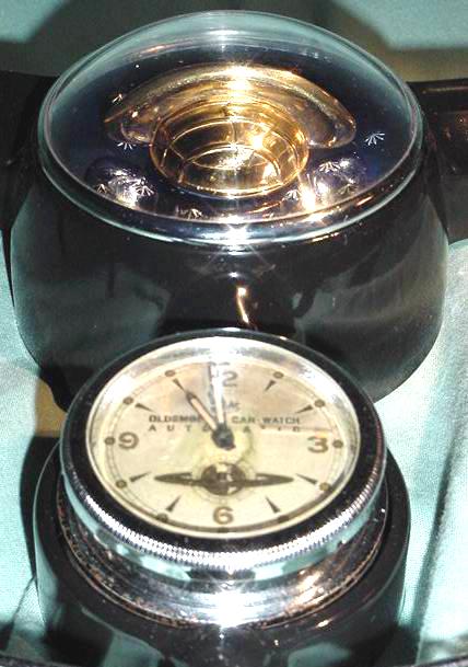 2 50-52 Olds Clock & Button 1c 609p.jpg