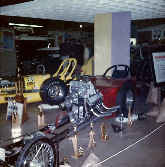 2 Dragsters Pomona 1963-7.jpg