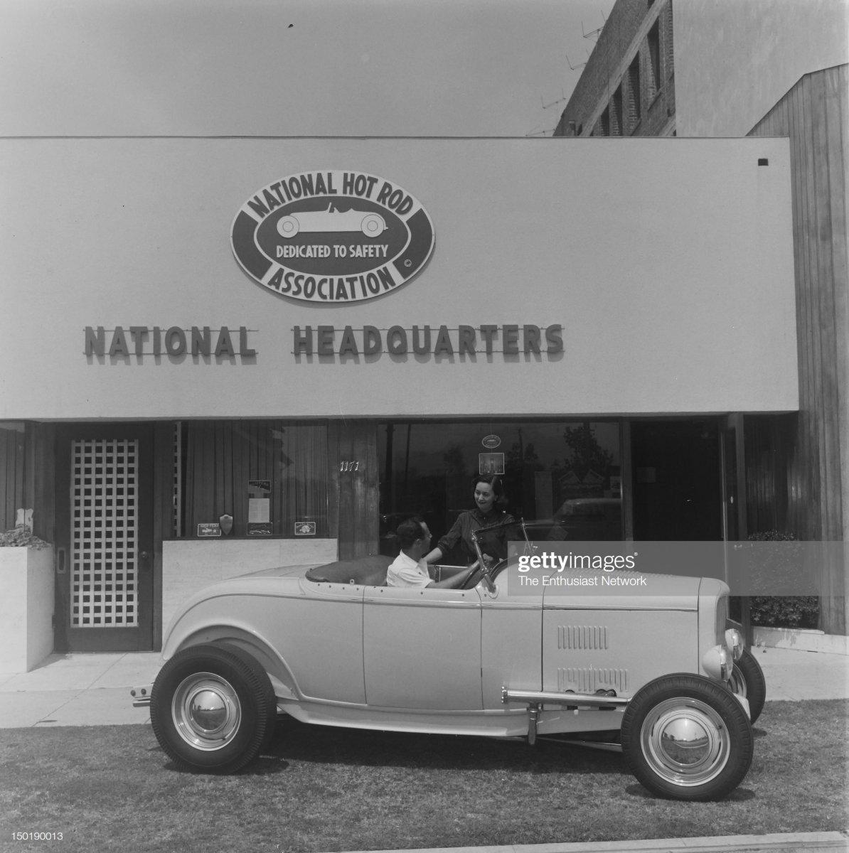 21  Dick Scritchfield 1932 Roadster - NHRA Headquarters.1.jpg