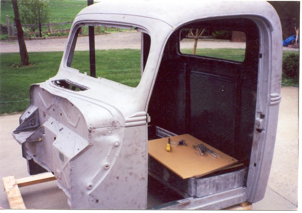 21 SANDBLASTING CAB.JPG