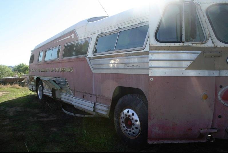 21 THE KANAS STATE COLLEGE BUS 30962.jpg