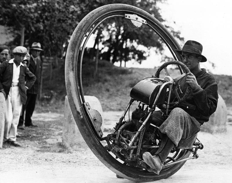 22 Monowheel from the 1930s was called The Dynasphere..jpg