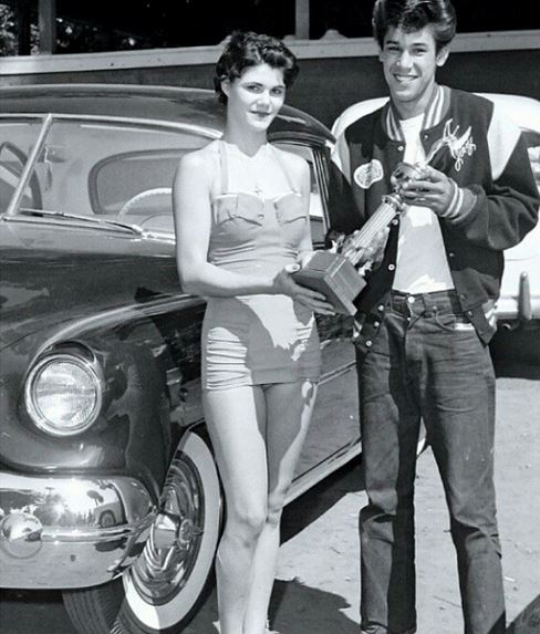 24 Jerry Sahagon and his 51' chevy TROPHY.JPG