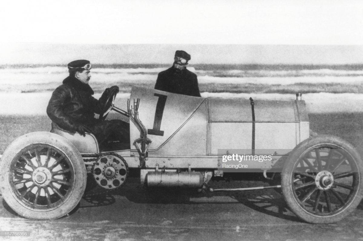 26a  1905 William K. Vanderbilt  Mercedes as he prepares fo.jpg
