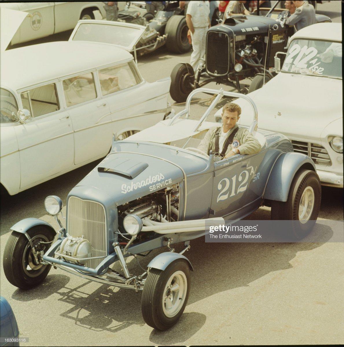 27 1965 Hot Rod Maga.jpg