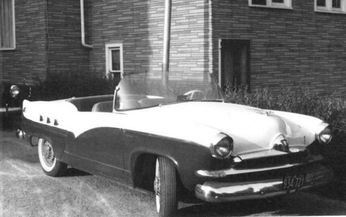 29 1953 Henry J Convertible Roadster.jpg