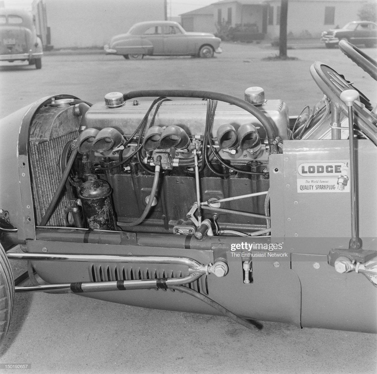 29 Henry & James Service Sprint Car. int.jpg