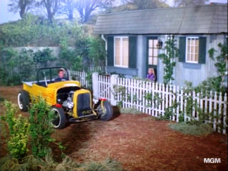 '29 RPU in episode of Green Acres (1).jpg