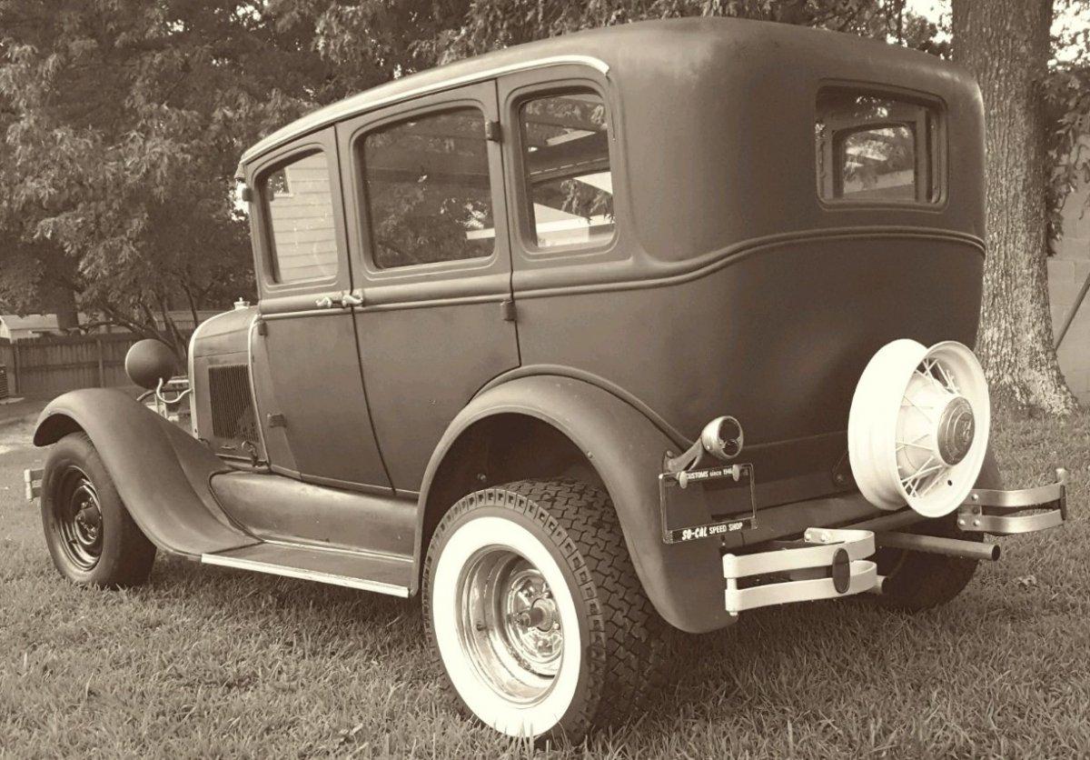 29 Sedan BkSide.jpg