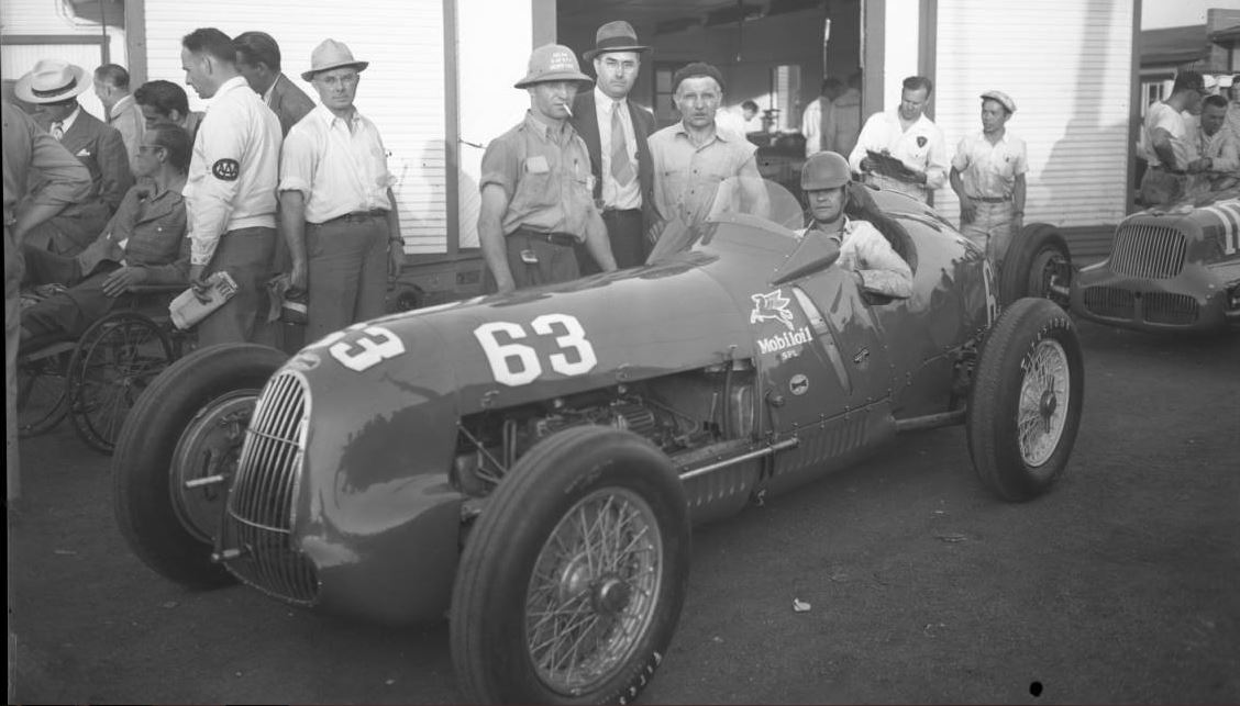 2x-15-c-jimmy wilburn alfa 1946.JPG