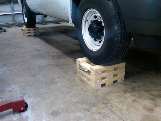 2x4 under car stand2.jpg