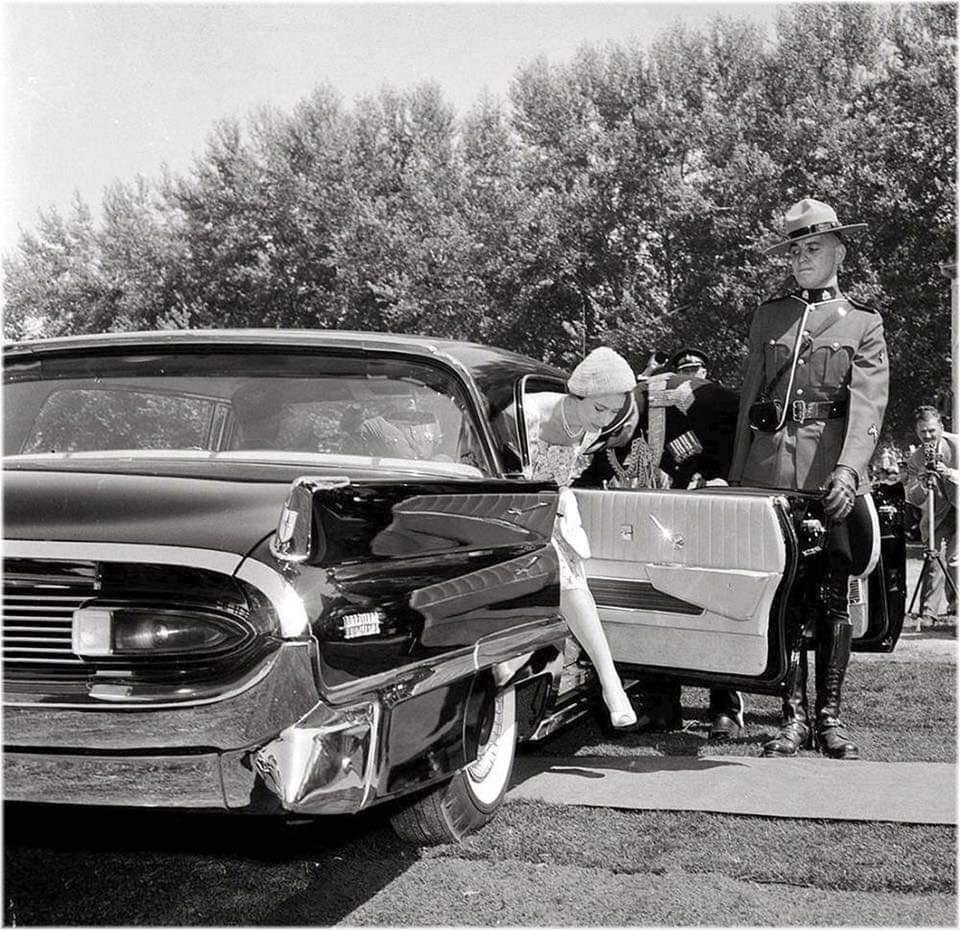 3 1958 LIN.jpg