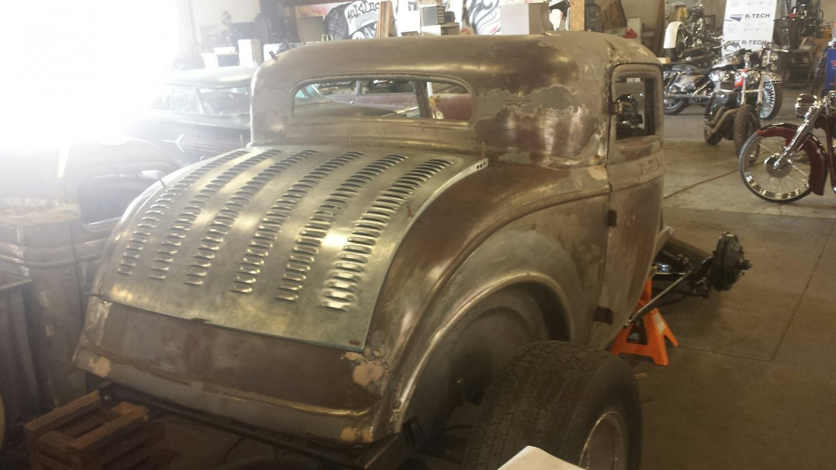 \'32 Coupe decklid.jpg