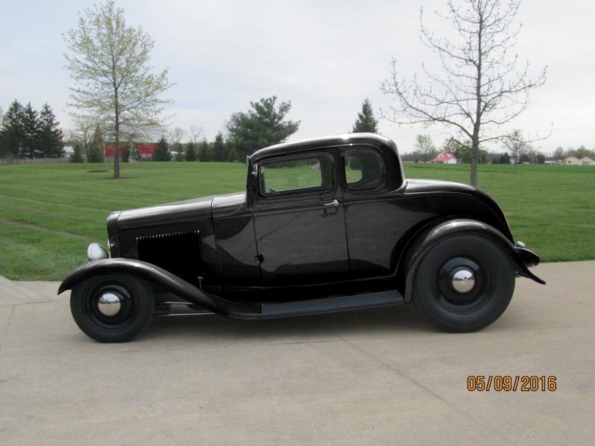 32 Ford 5W All Black Hammered with Smooth Steelies 71701.jpg