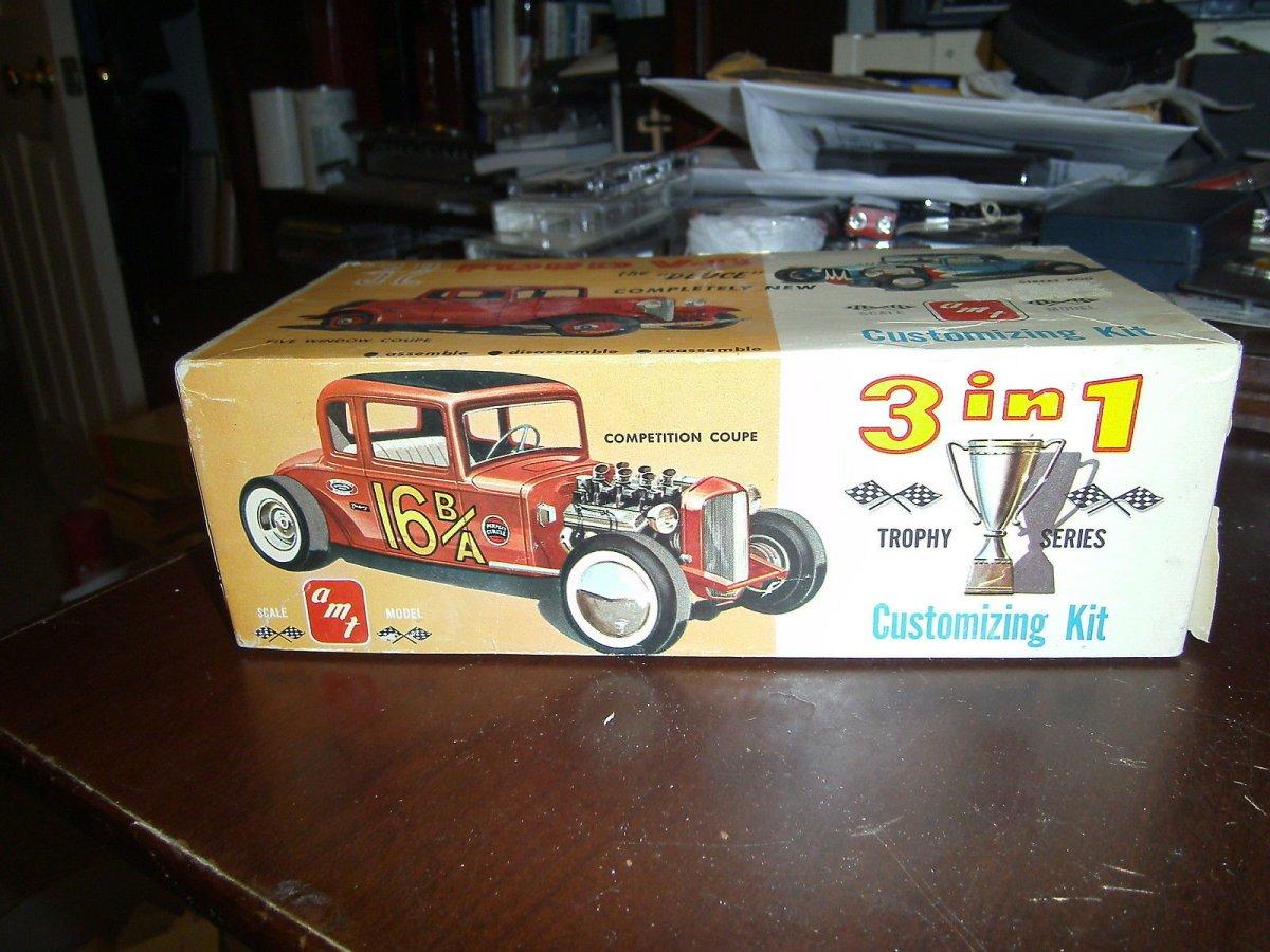 32 Ford 5W Cpe AMT Kit.jpg