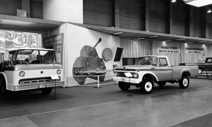 32a 1963_Chicago_Auto_Show_Ford_Trucks-7.jpg