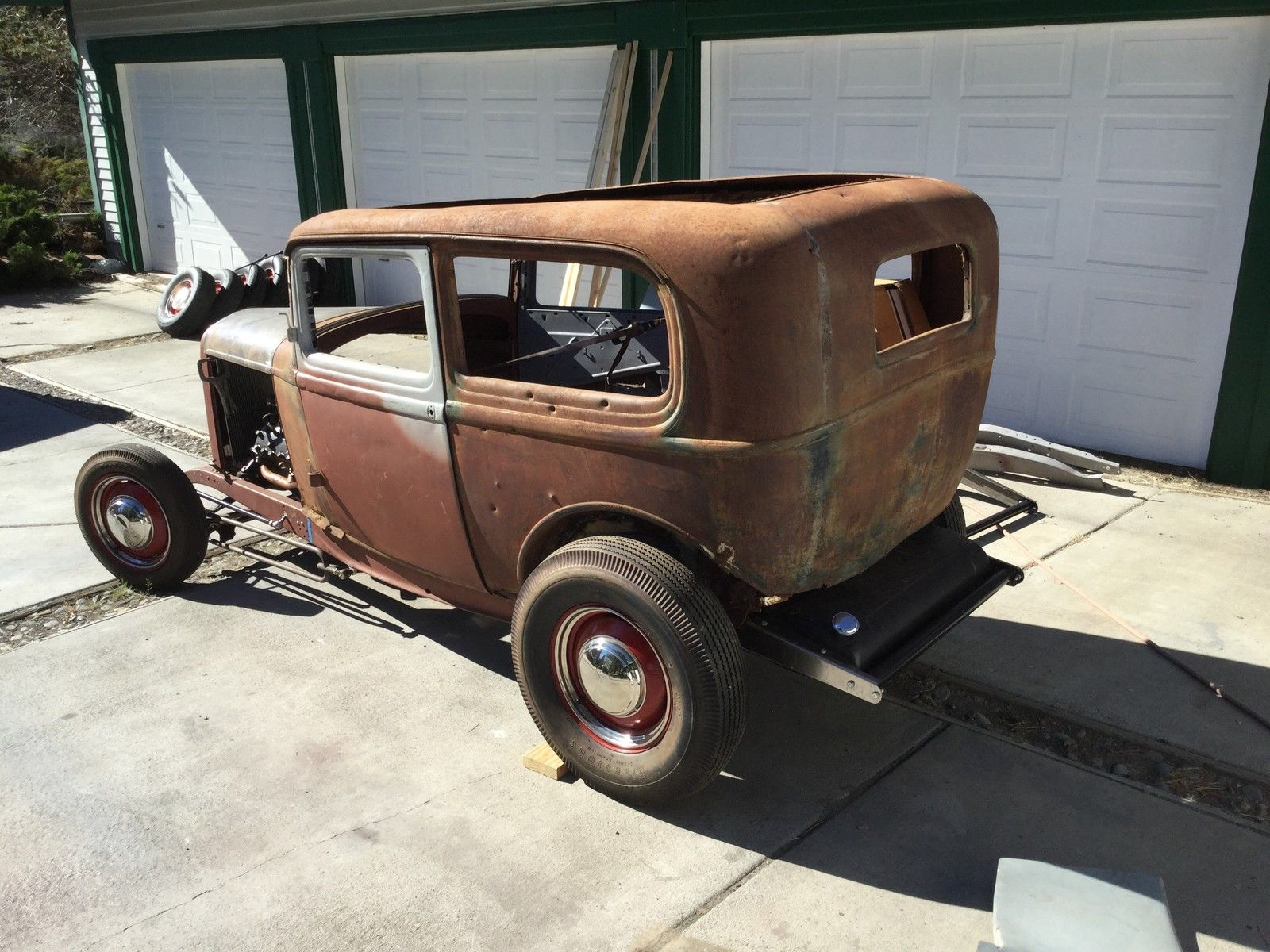 1932 ford 2 door sedan project the h a m b for 1932 ford 2 door coupe