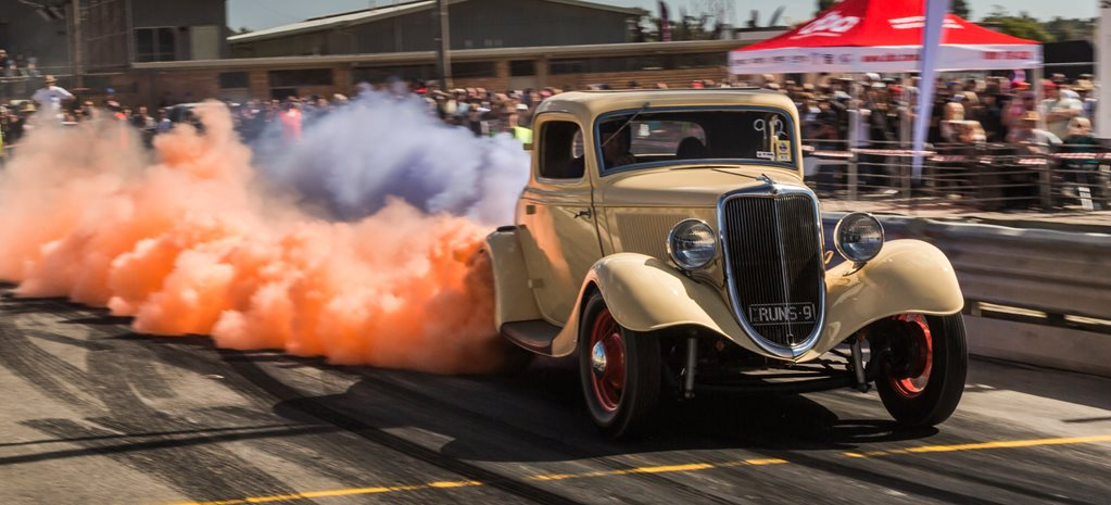 33-coupe-burnout-wide.jpg