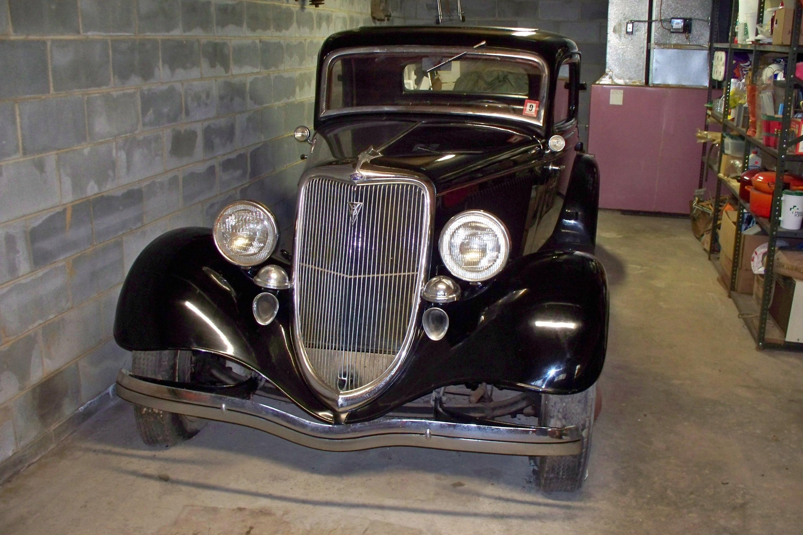 Hot rods make this aquired garage find 39 33 ford 3 for Garage ford 33