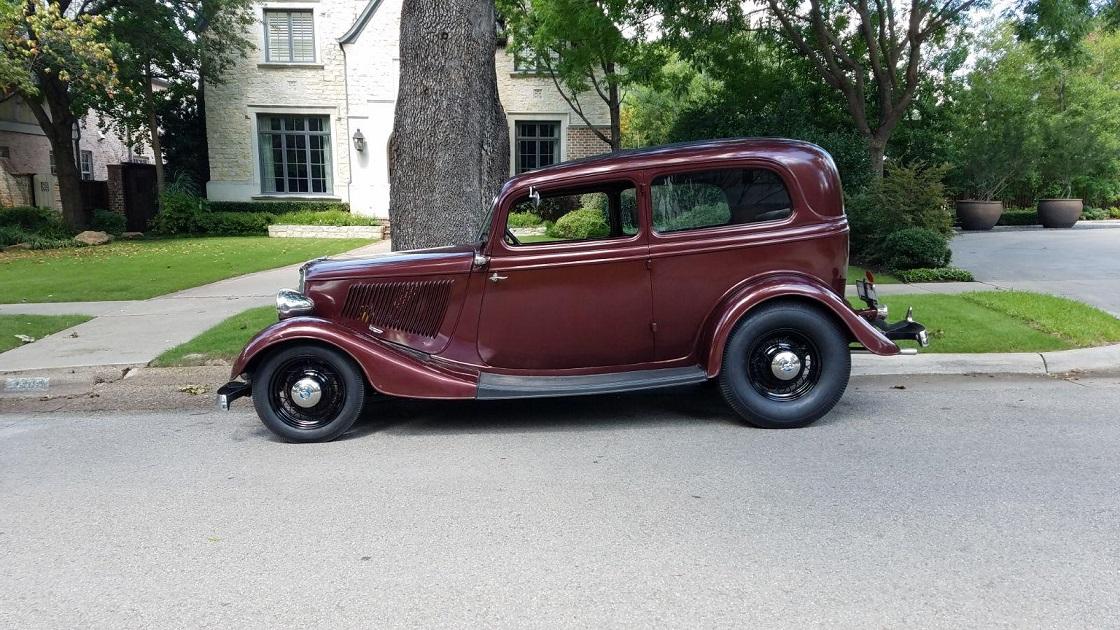 33 Ford Tudor big and littles.jpg