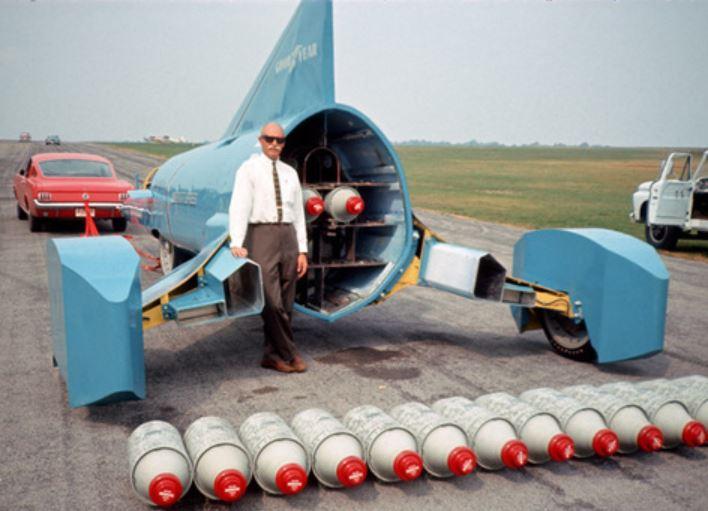 33 Walt Arfon's Wingfoot Express1.JPG
