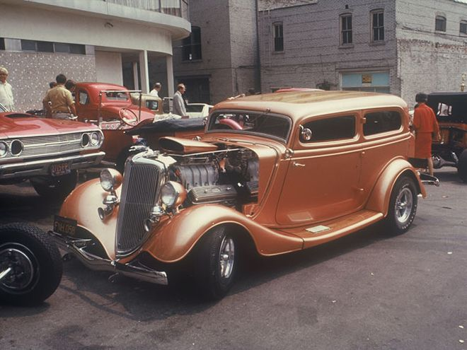 34 Ford Tudor Ron Weeks bronze.jpg