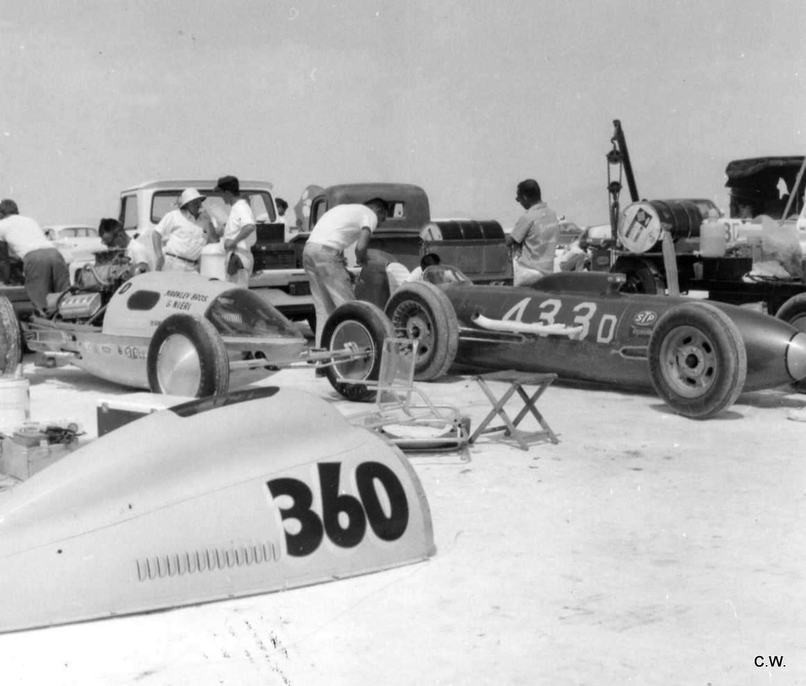 #360D & #433D Lakesters in pits (Craig Wise archives).jpg