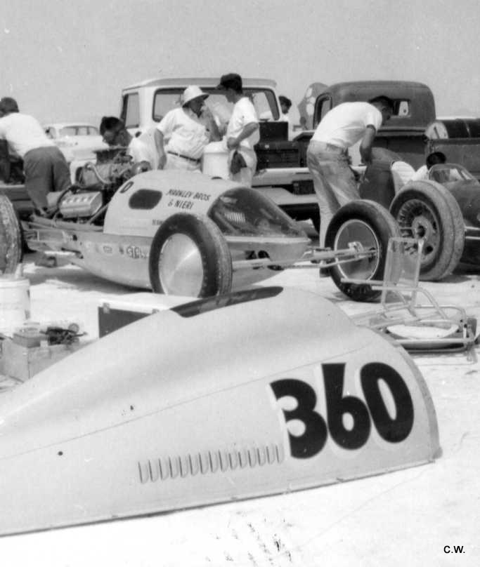 360D Markley Bros Belly Tank in pits (Craig Wise archives).jpg