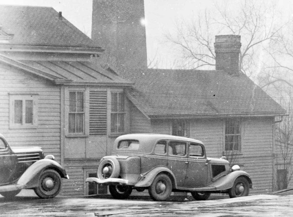 37 1934-Ford-Potter-Trunk-1024x759.jpg