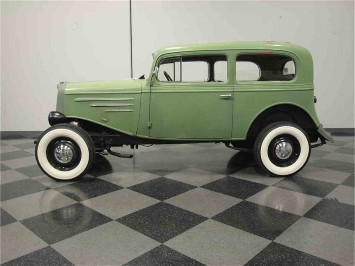 3881352-1934-chevrolet-sedan-std-c.jpg