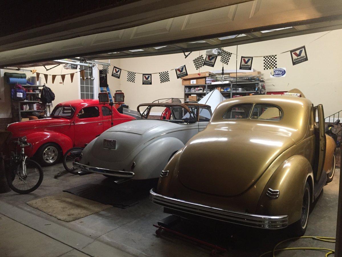 39 garage.jpg