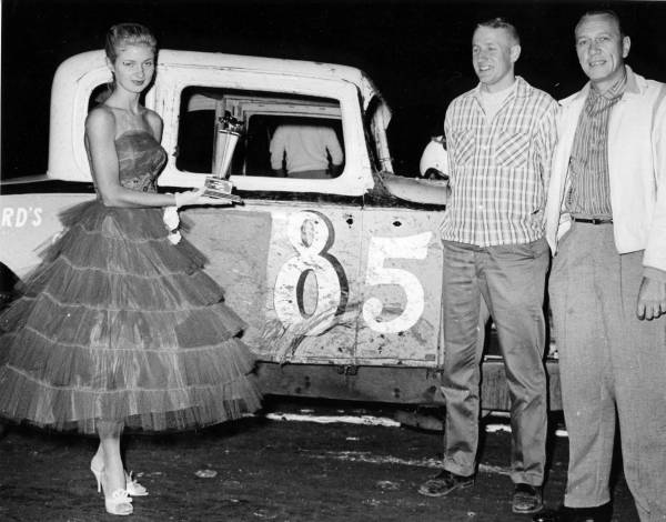 4 85_Charlie_Pitts_and_celibrity_car_was_owned_by_Pete_Stewart.jpg