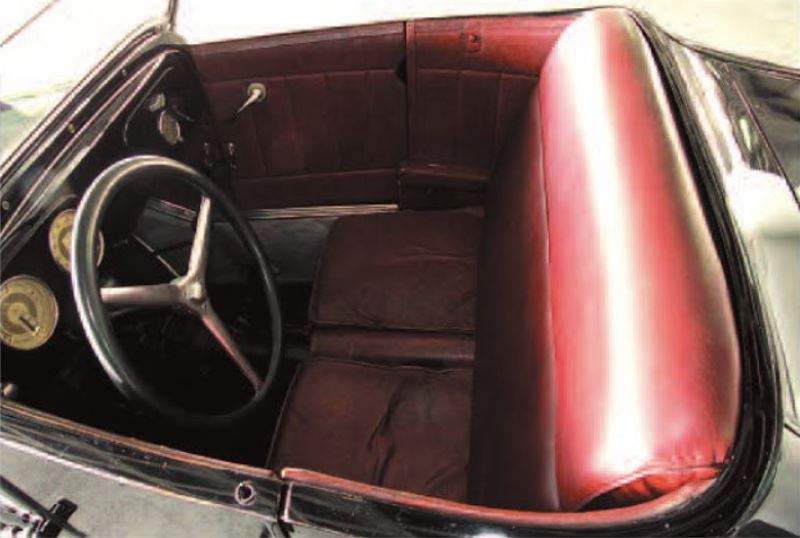 4 - Frank Mack T - maroon leather interior by Jack Stanley (Dain Gingerelli).JPG