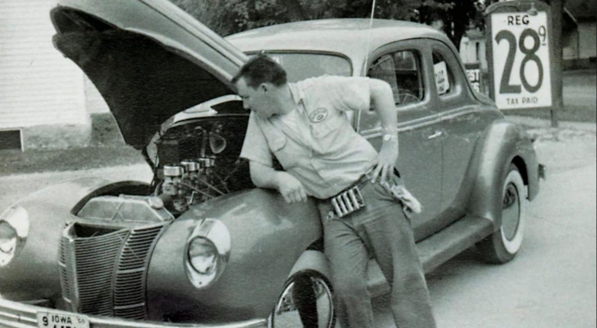 40 Coupe gas.jpg